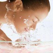 「洗わない」という洗顔方法