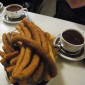 スペインの揚げ菓子チュロス