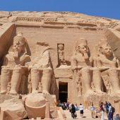 アスワンを拠点にさらに南下—壮大なアブシンベル神殿へ