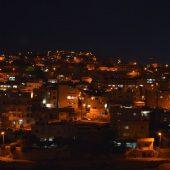 ワディムーサ村の夜景は素朴だけど素敵